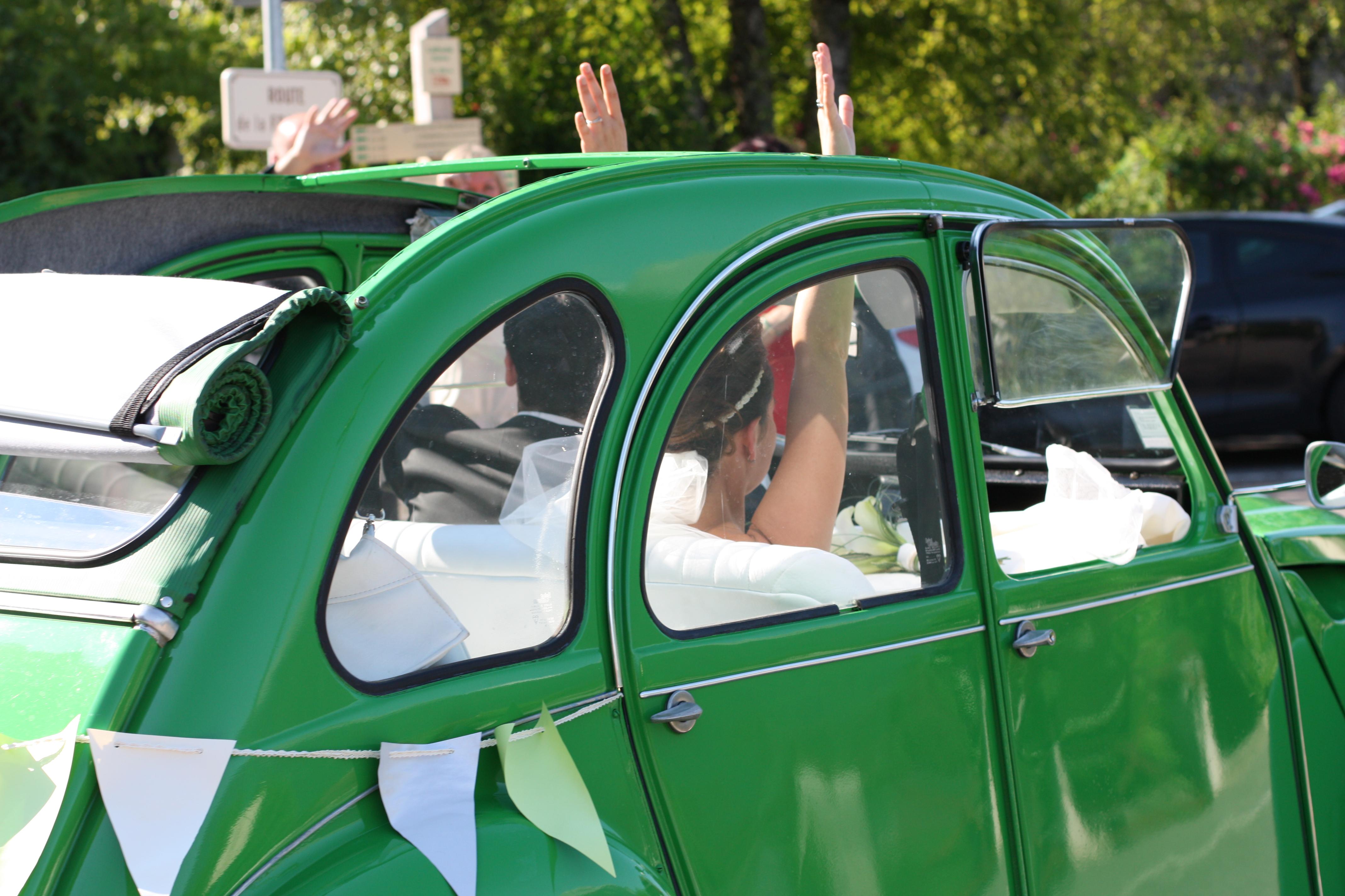 avec son offre sp ciale mariage drivy permet aux futurs mari s de louer une voiture de. Black Bedroom Furniture Sets. Home Design Ideas